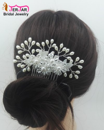 Gorgeous Wedding Bridal Hair Jewelry Exquisite Women Hair Combs White Silver Headpiece Bridesmaid Pearls Flower Hair Ornament Accessories
