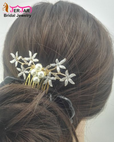 Luxury Wedding Bridal Hair Combs Elegant Women Hair Jewelry Gorgeous Golden Flower Headpiece Pearls Bridesmaid Hair Ornament Accessories